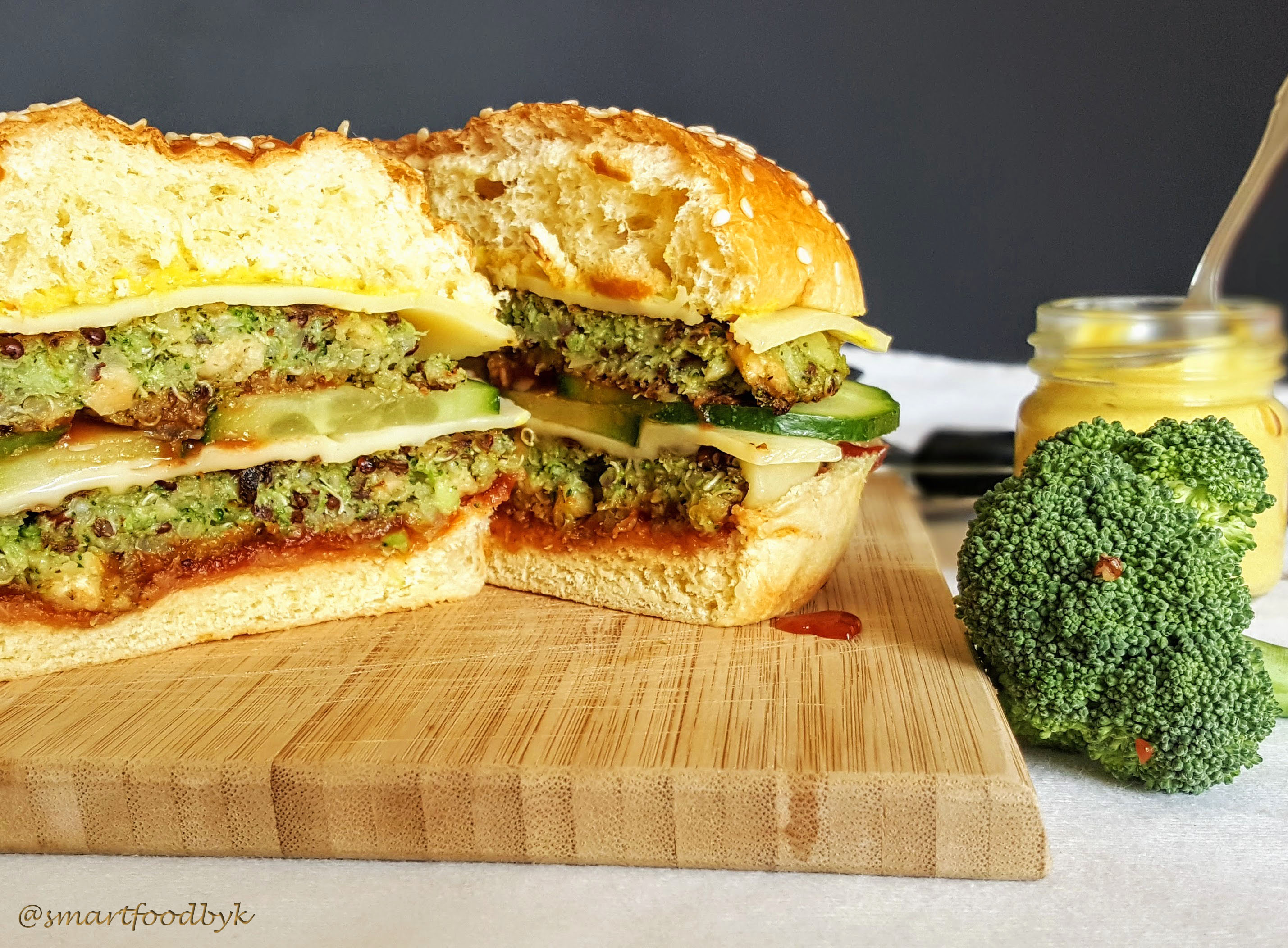 Broccoli quinoa double veggie burger