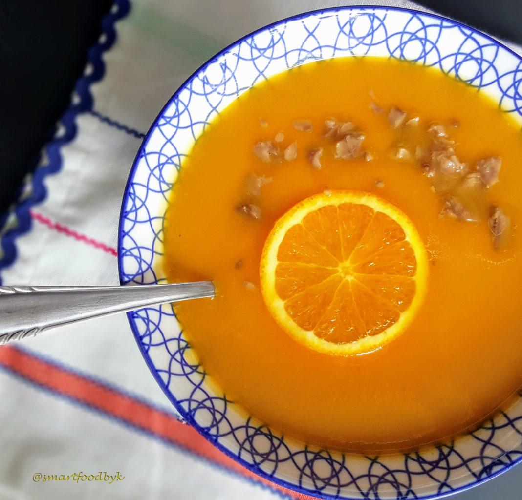 Potage orange d'hiver, du soleil dans l'assiette