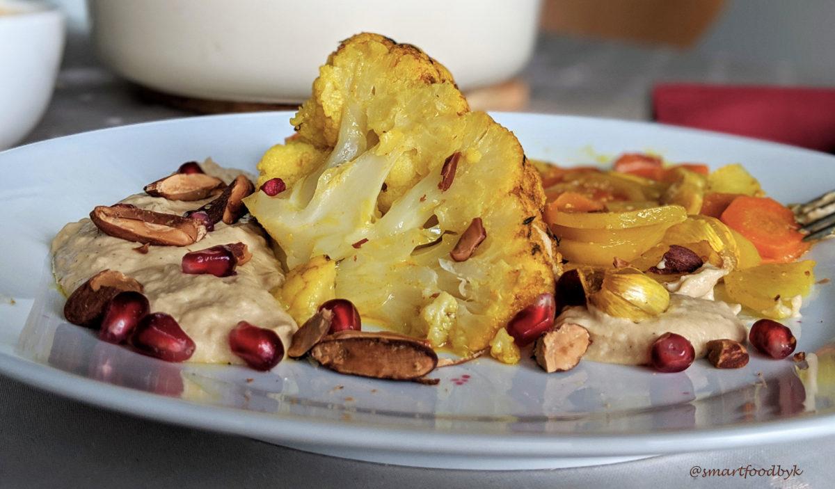 Ici servi avec de l'hummus maison, amandes grillées et des grains de grenade. Une combinaison irresistible ;)