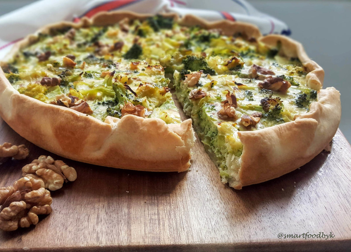 Broccoli quiche with Roquefort and walnuts