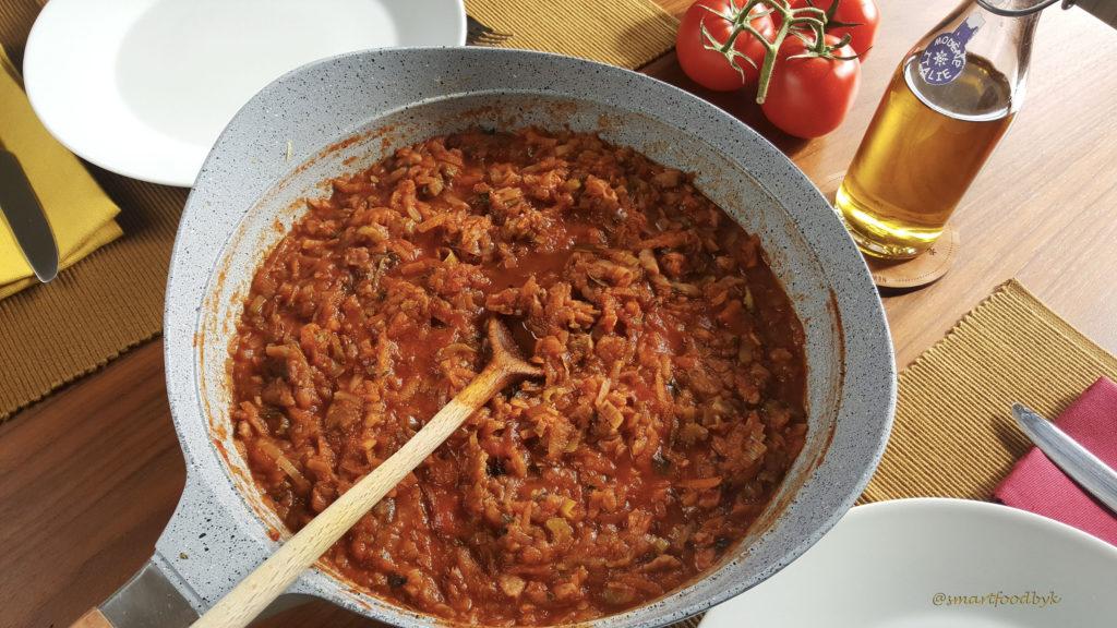 Veggie Bolognese sauce. Sauce bolognese végétarienne.