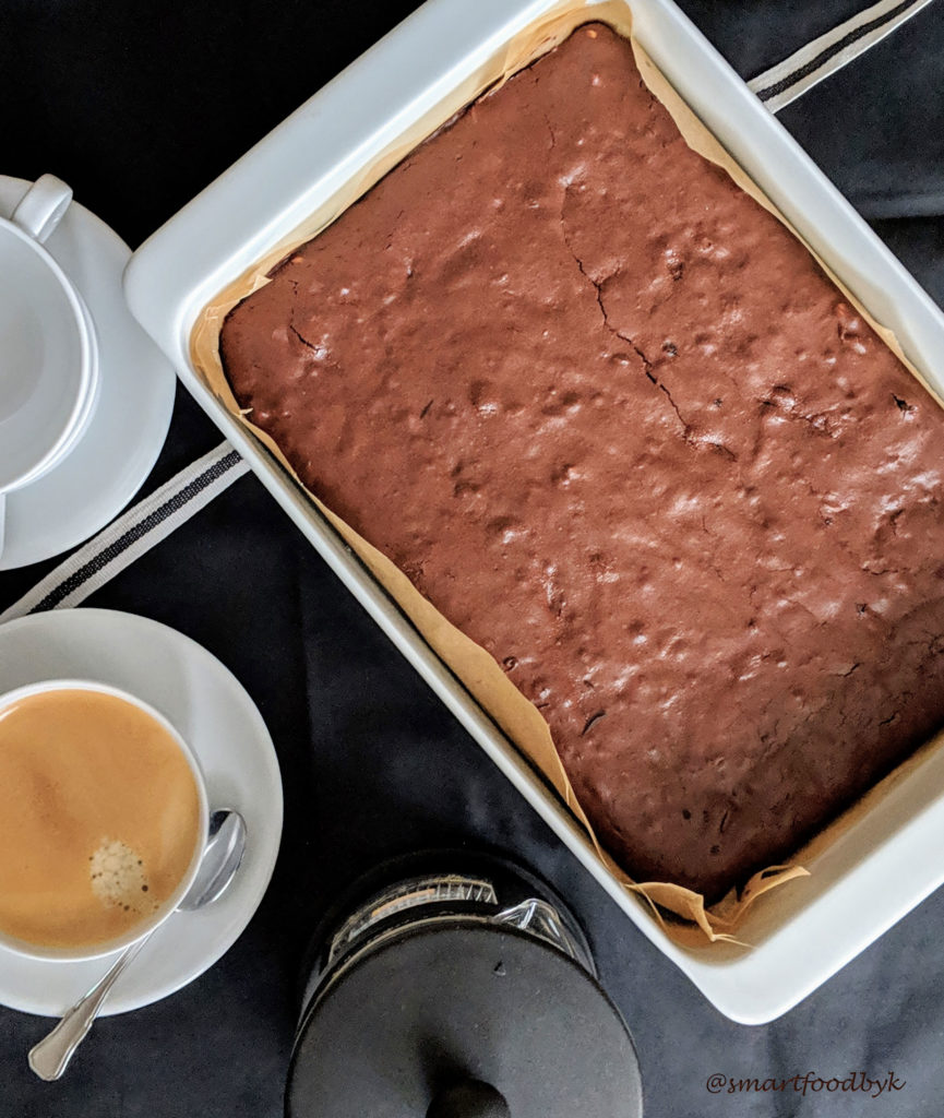 Brownie, l'amoureux parfait d''une tasse de café le temps de fika. Brownie + coffee, my perfect fika love story.