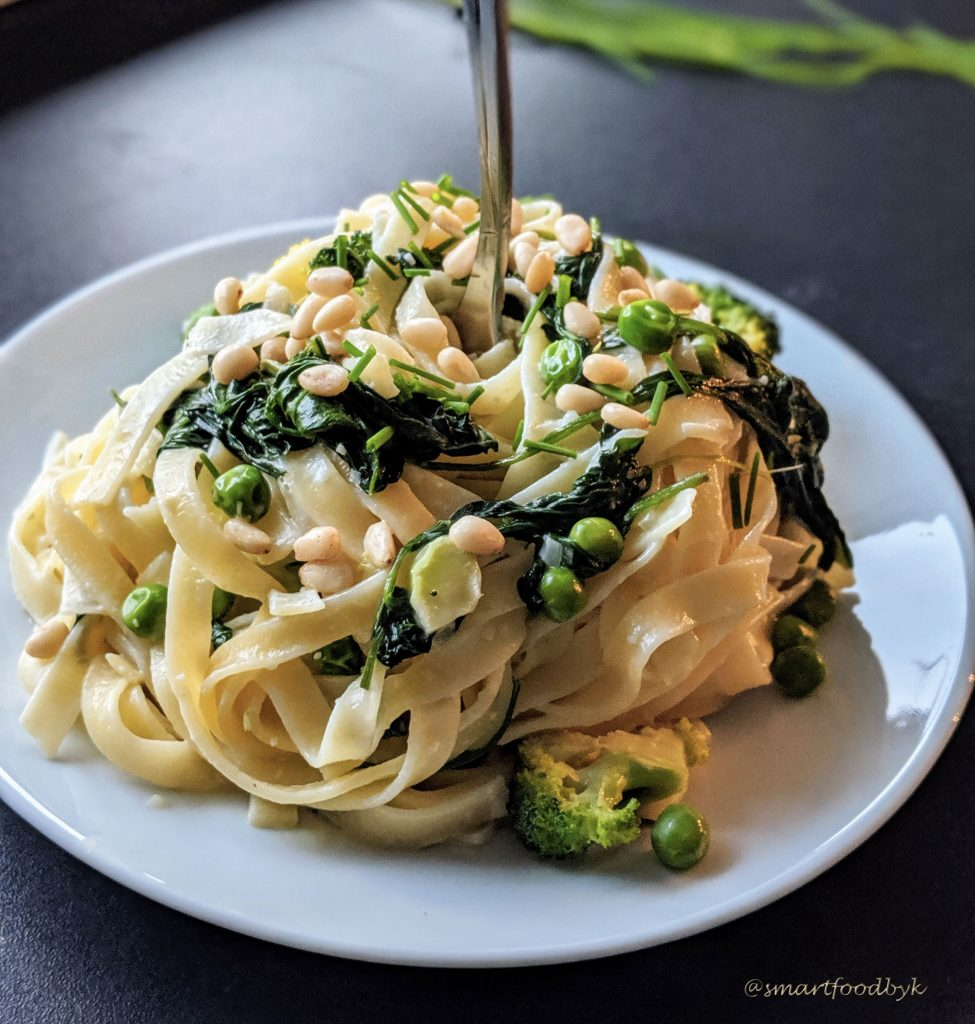 Quick green veggies tagliatelle