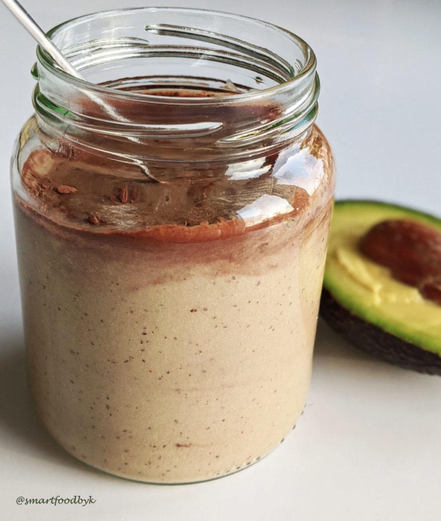 Avocado - cocoa - hazelnuts. Avocat - cacao - noisettes.