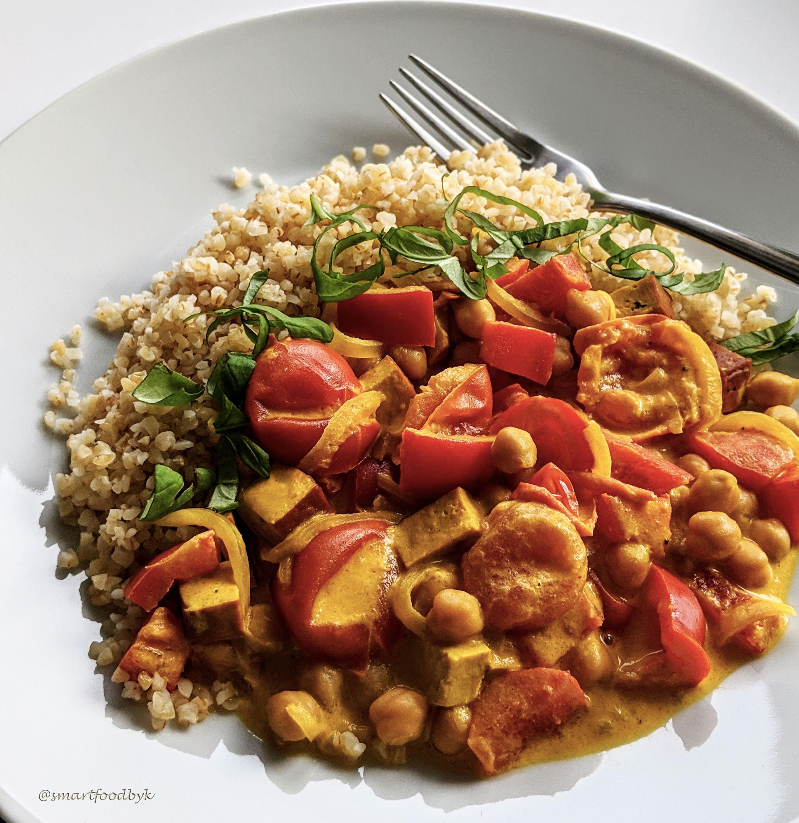 Ragoût aux légumes rouges, tofu fumé et coco