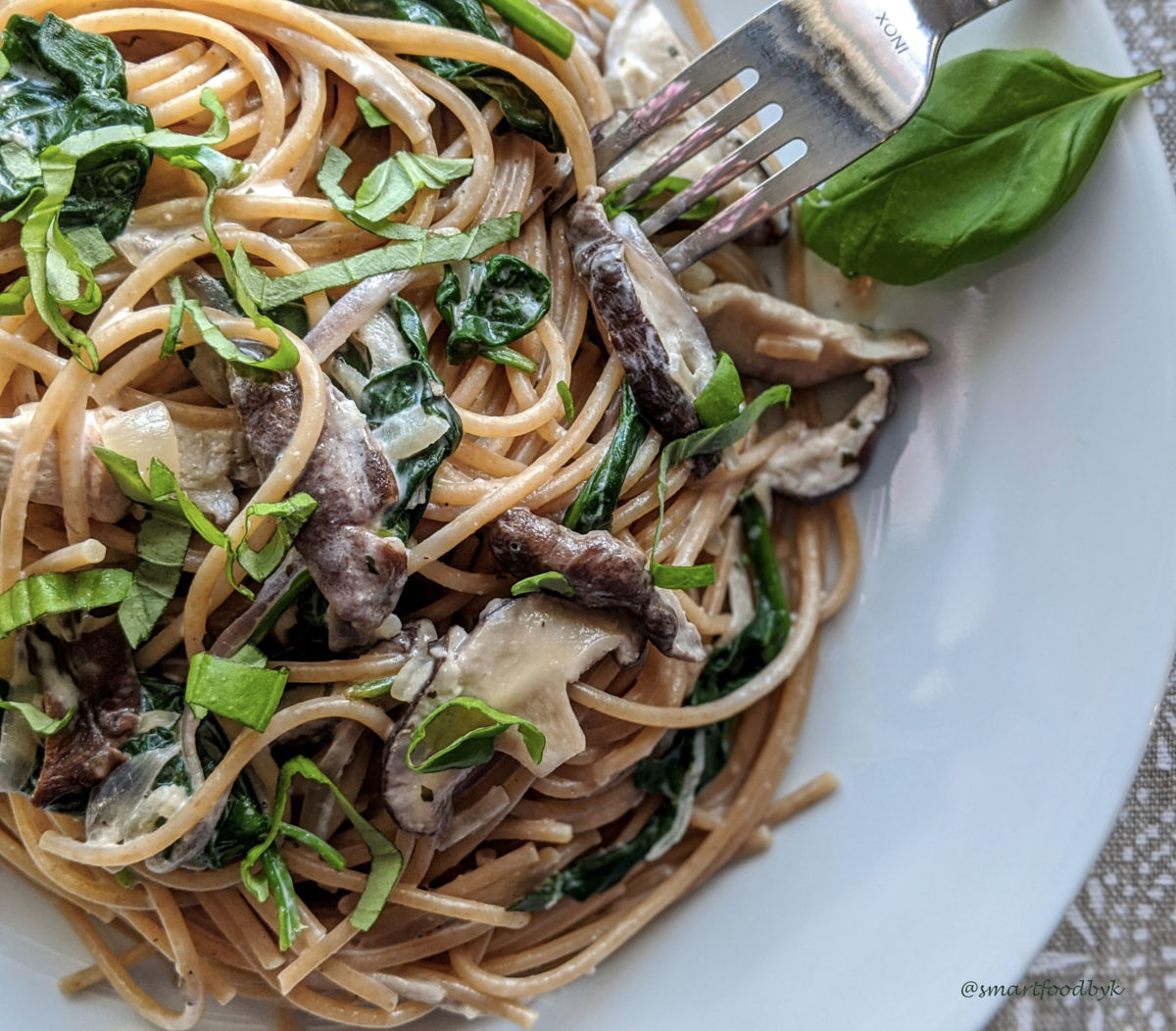 Shiitake, spinach and coconut cream pasta